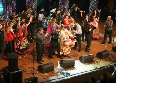 Festival KHAMORO opět rozzáří Prahu