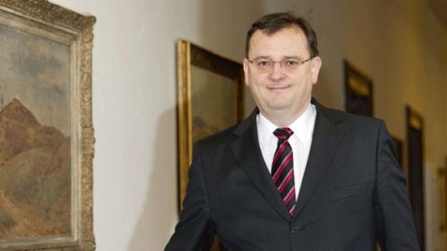 Nečas se po vzoru Václava Klause tvrdě navezl do Ústavního soudu