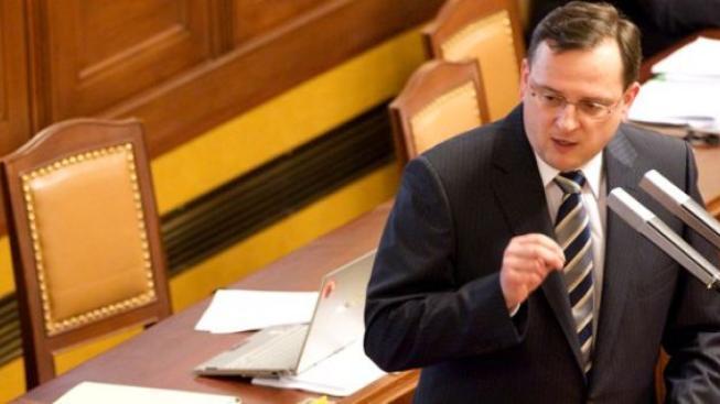 Koaliční poslanci zabránili projednávání změn ve stavebním spoření