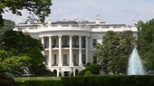 Poradce Obamy: Zbabělý bin Ládin se schovával za ženu