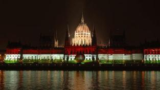 Maďarští poslanci schválili kontroverzní ústavu