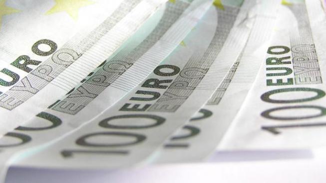 Eura na dovolenou je výhodné nakoupit teď, tvrdí analytici