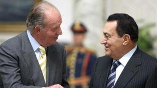 Mubarak a jeho synové byli obviněni z korupce, lid jásá