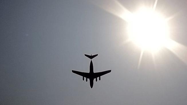 Britské letadlo muselo nouzově přistát kvůli pumové hrozbě