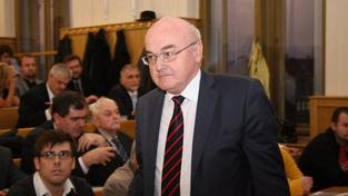 Část akademického senátu prý nechce reformy na plzeňských právech