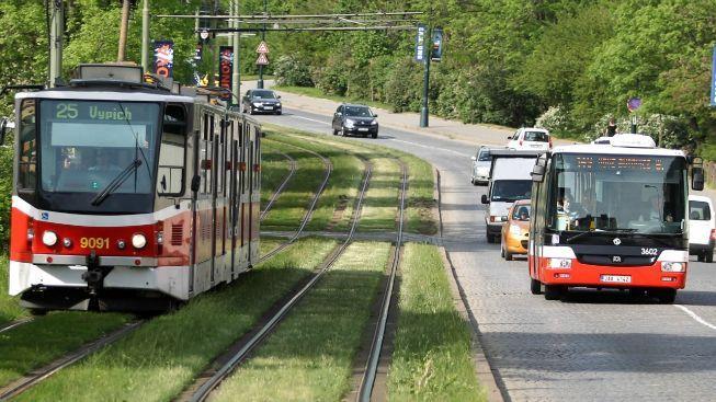 Pražský dopravní podnik vypsal zakázku na pojištění vozů za 100 milionů