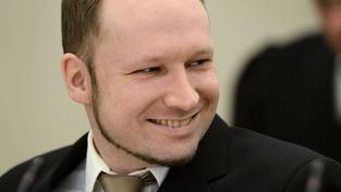 Breivik si z vazby dopisuje s extremisty