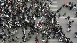 Stovky demonstrantů prošly Brnem. Pochod nebyl agresivní