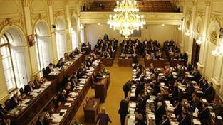 Poslanci: Intervence v Libyi? Další chyba ´bombardéra´ Havla