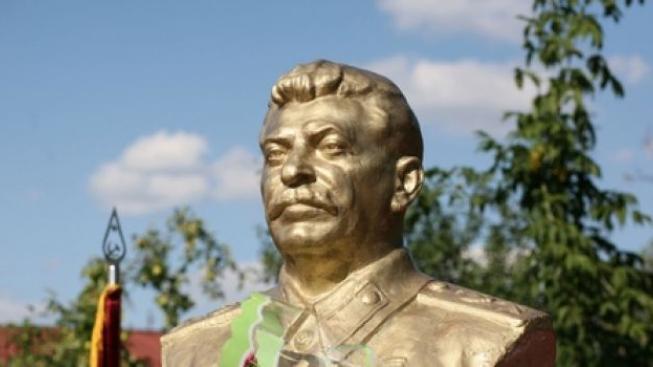 Nezapomeňme na hrůzy komunismu. V Motole se sešli politici i pamětnici