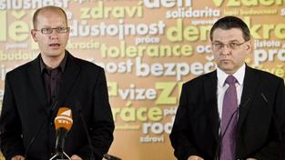 ČSSD požaduje kvůli skandálům odvolání Dobeše i Vondry