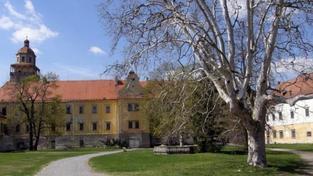 Pět pláten Slovanské epopeje opustilo Moravský Krumlov