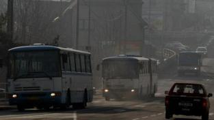 Vzduch na severu Moravy se trochu vyčistil, smog ale trvá