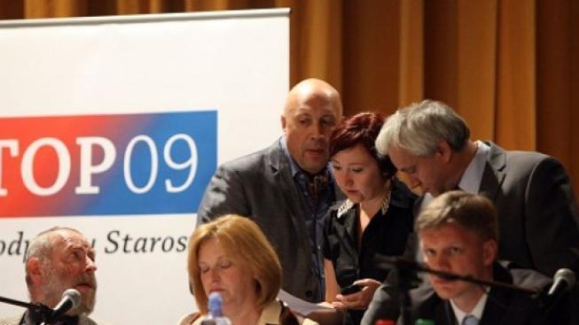 Potápějící se TOPka šokovala: Spojíme se s ČSSD