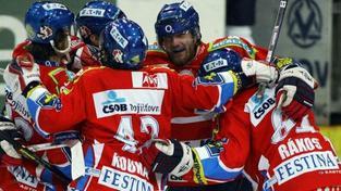 Sparta přivítá Pardubice, zkusí oživit naději na play off