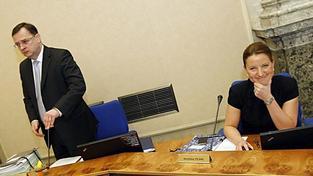 Nečas navrhl odvolání Peake z pozice ministra obrany