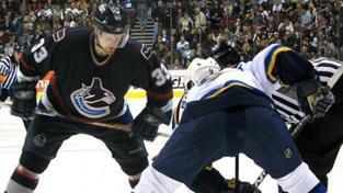 Ani Vokoun nepřerušil v NHL Crosbyho bodovou sérii a střídal