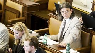 Chaloupka z Věcí veřejných je dalším obviněným z korupce