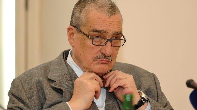Ministři TOP 09 nešetří a rozdávají nejštědřejší odměny