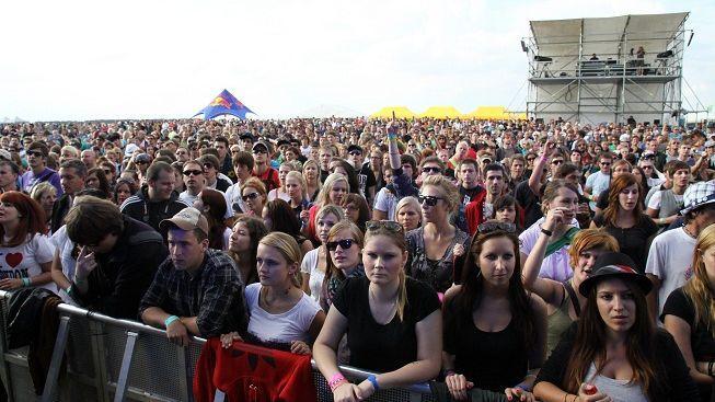 Na festivalu Masters Of Rock zemřel mladý muž na zástavu srdce