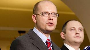 Hašek (ČSSD) chce prezidentem Onderku, Zaorálka či Škromacha