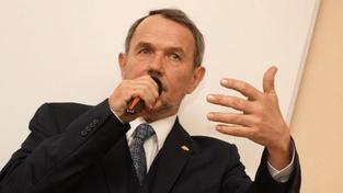 Hájek k zaseknuté Praze: Je to lynč a Havlovo absurdní drama