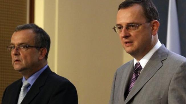 Vláda tajně řeší, zda se ČR přidá k plánu na záchranu eurozóny