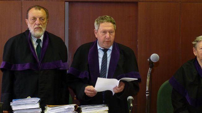 Soudce vítkovských žhářů, nalezený s podřezaným hrdlem, byl podivín