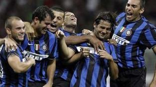 Eto'o se pomstil za rasistické chorály gólem a Inter vyhrál