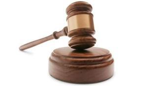 Soud potrestal řidiče sanitky, při jejíž havárii zemřel pacient