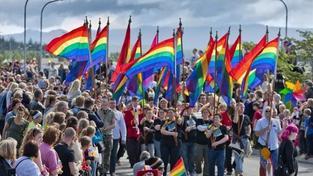 Francie povoluje uzavírání homosexuálních sňatků