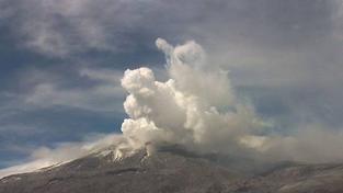 Kolumbijská sopka se probudila k životu