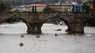 Piráti jsou proti zpoplatněnému fotografování na Karlově mostě