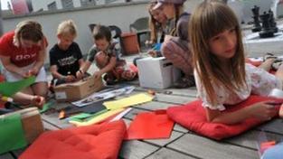 Dětský den s centrem DOX - sobota 31. 7. 2010, 14.00 – 17.00