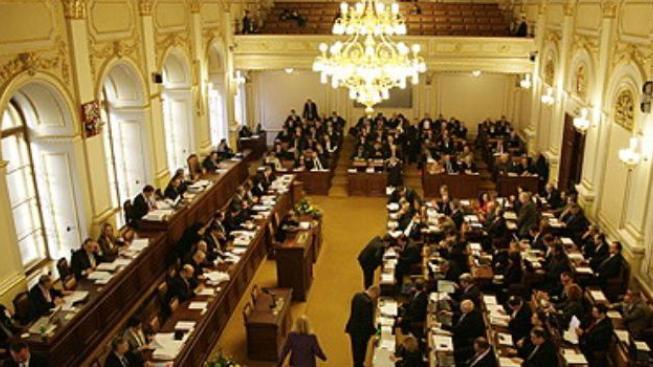 Prezidenta bude stejně vybírat parlament, tvrdí politologové