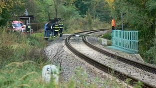 V Pardubicích zabil vlak muže. Ležel v kolejišti