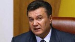 Janukovyč chce ´všivé úředníky´ zbavit benefitů