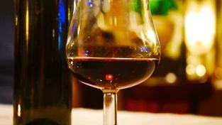 Čechů potýkajících se s alkoholem může být až sedm procent