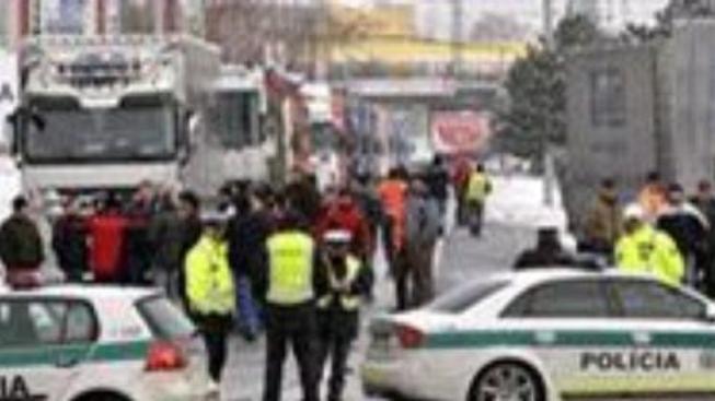 Slovenští řidiči ukončili protest proti mýtnému, chystají demonstrace