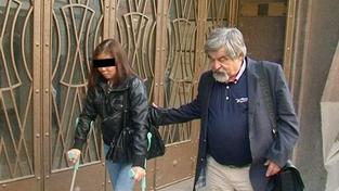 Janoušek se u soudu snaží přeplatit ženu, kterou v opilosti srazil