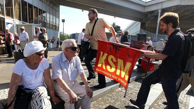 Průzkum: Zájem voličů o ČSSD upadl, komunisté mají dobře nakročeno