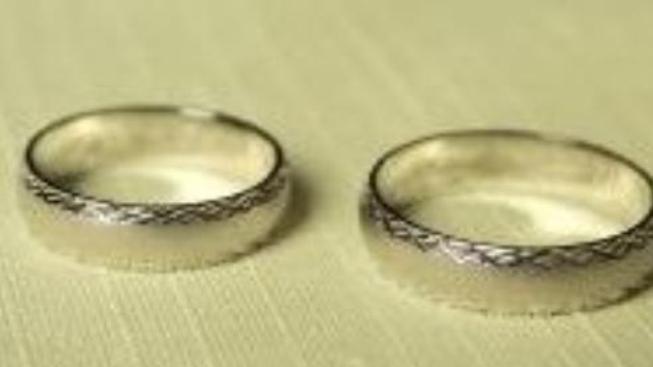 Šperky ve zlatnictví mohou být z nepravého bílého zlata
