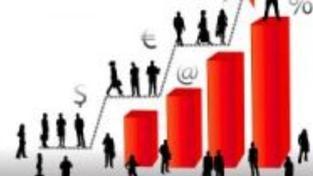 Průměrná mzda stoupla na 23 350 korun, propouštěli se lidé s nižšími příjmy