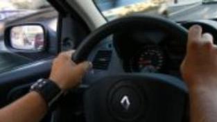 Řidiči si příští rok na povinném ručení připlatí až 10 pct
