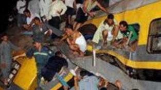 Srážka vlaků v Egyptě: nejméně 25 mrtvých
