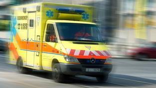 Neznámý muž v Plzni polil ženu kyselinou, je v kritickém stavu