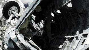 Tragédie vrtulníku v Peru: Záchranáři snášeli z hor mrtvá těla