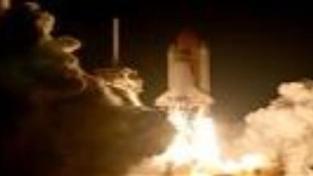 Raketoplán Endeavour se po 16 dnech vrátil na Zemi