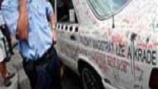 Taxikáři se v centru Prahy poprali se strážníky