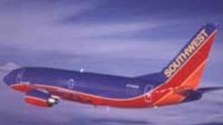 Letadlo úspěšně přistálo i s dírou v trupu